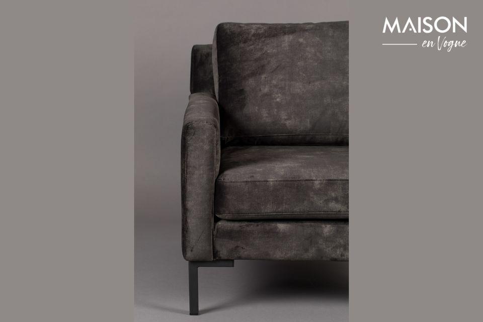 Le canapé qui révèle son côté sombre