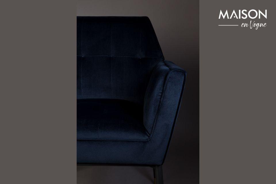 Son design très élégant et raffiné fera merveille dans un salon ou un bureau