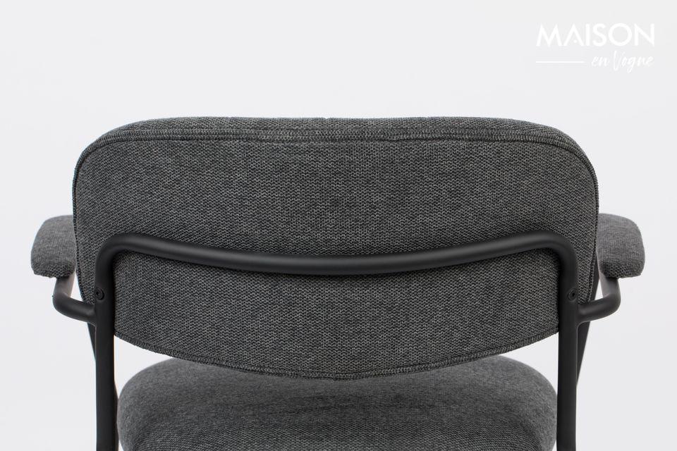 Son design est intemporel avec une structure en acier noir poudré et un beau tissu tout doux gris