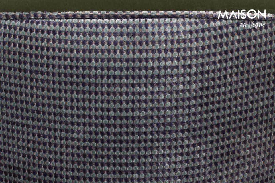 Mélanger une allure de boudoir parisien avec un jeu de textures très contemporain est la gageure