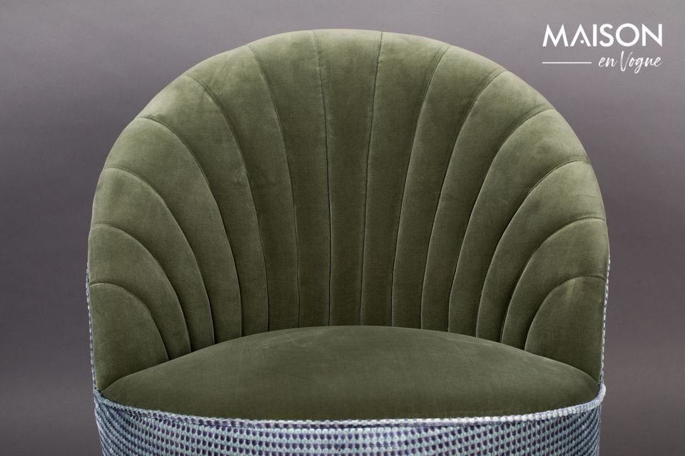 Ses dimensions adaptées à tous les espaces en font un must d\'une décoration originale