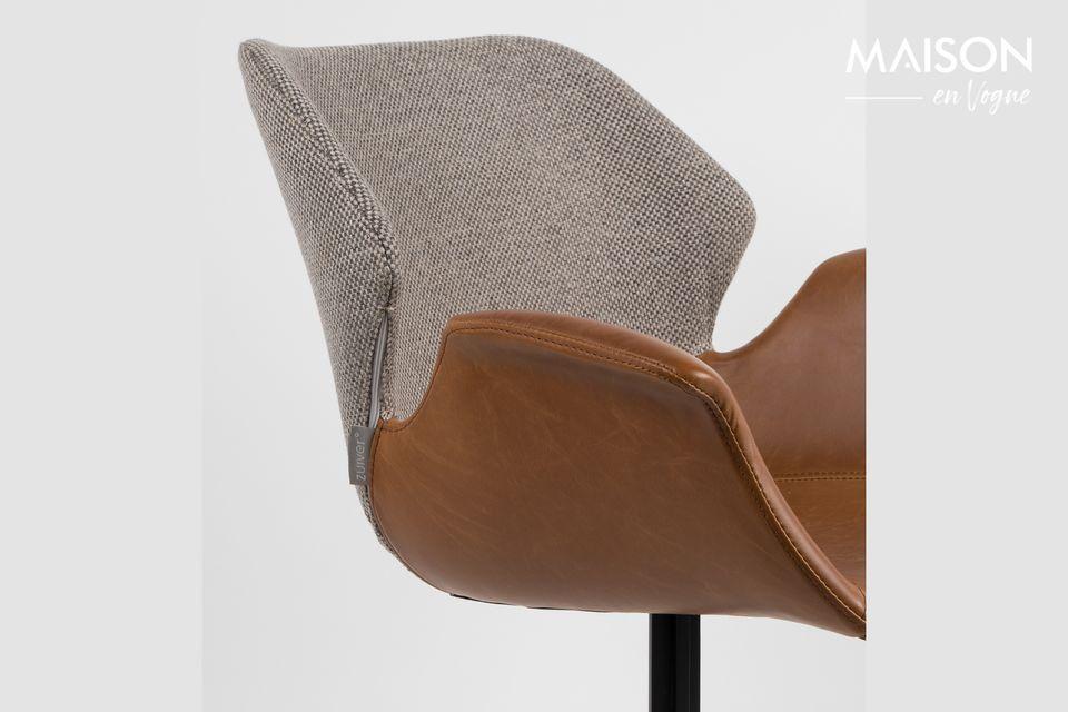 Cet élégant fauteuil s\'inspire du style des années 1950 tout en reflétant un esprit moderne