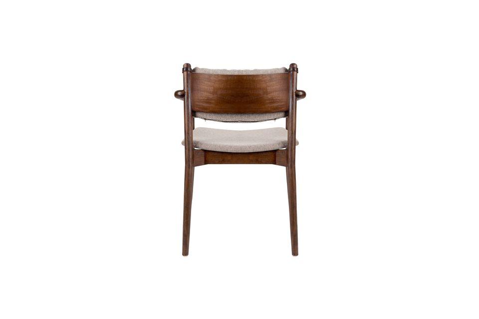 Un look élégant et de belles finitions pour ce joli fauteuil
