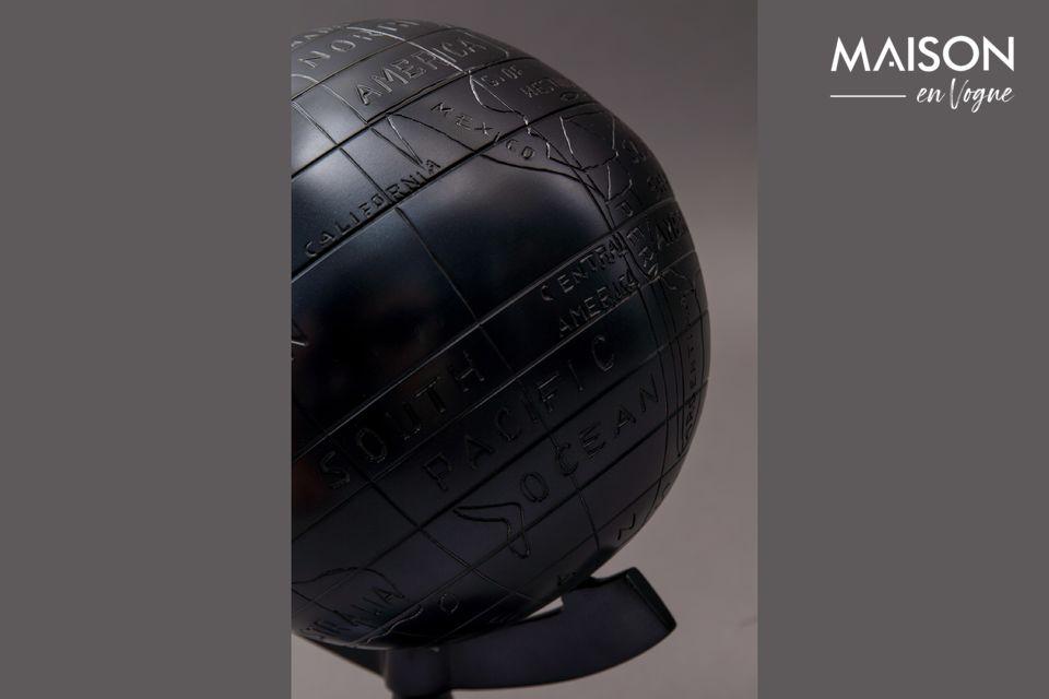 Le globe Miles est l\'article de décoration personnel parfait sur le bureau de ceux qui aiment