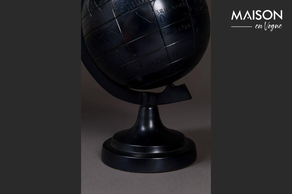 Le Miles globe est l\'article de décoration personnel parfait sur le bureau de ceux qui aiment