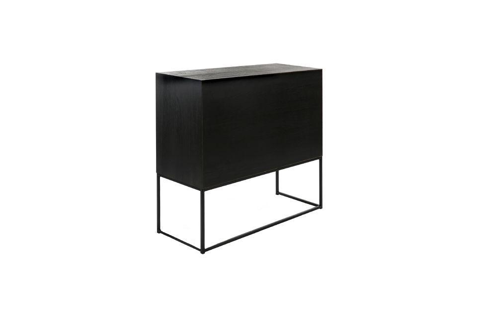 Vous profitez d\'une armoire discrète et design pour compléter l\'ameublement du salon
