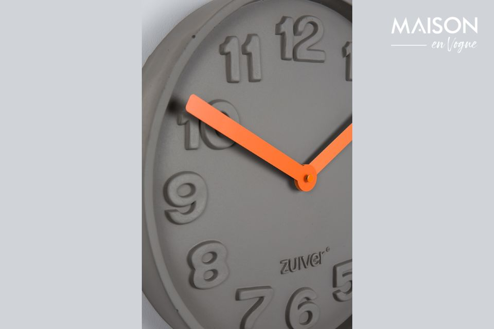 Une horloge moderne et insolite