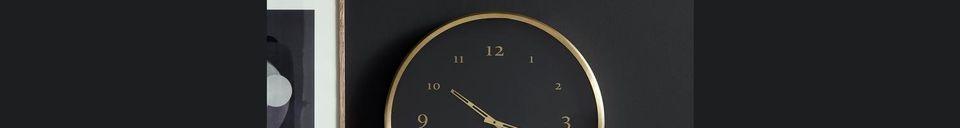 Mise en avant matière Horloge murale Saisy en métal