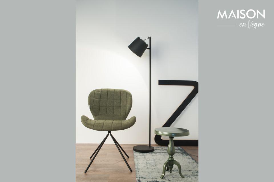 Un lampadaire au design simple et polyvalent