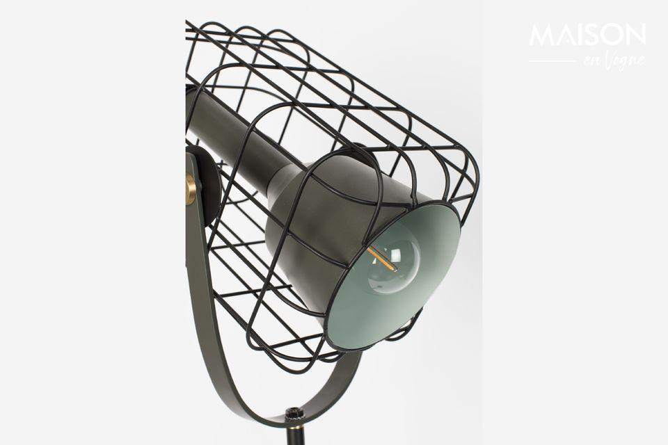 Un lampadaire qui confère une touche de design industriel très moderne