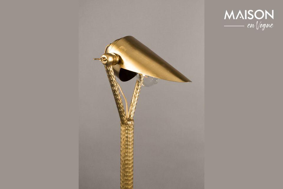 Ce lampadaire vous fera paraître pour une personne de goût et éclairée tout en habillant votre