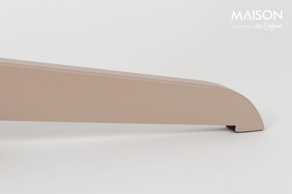 En créant le lampadaire Shelby, la marque Zuiver vous propose un véritable objet de décoration