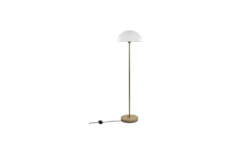 Un lampadaire au design contemporain
