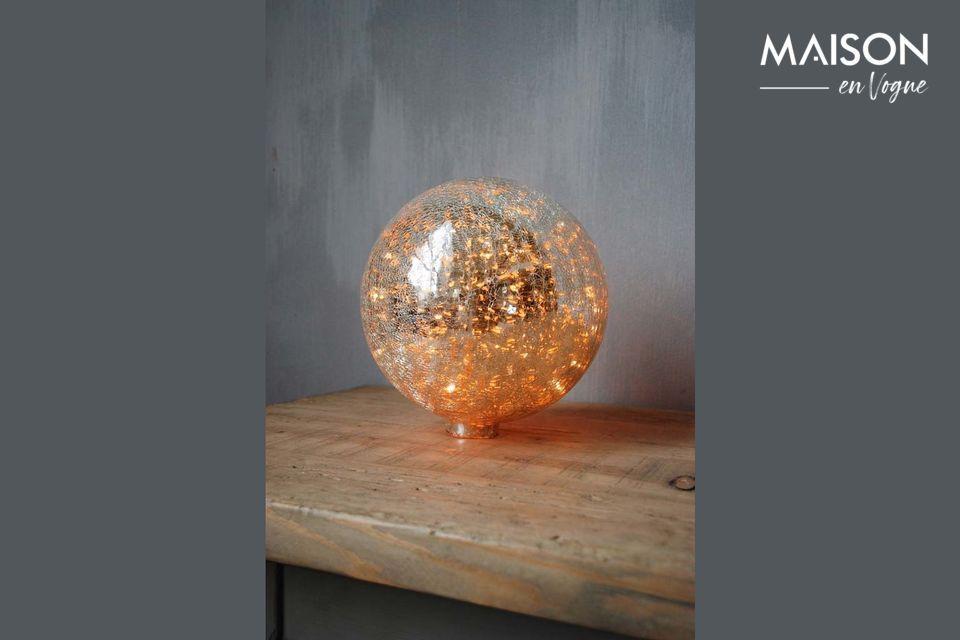 Lampe à poser 20 cm boule en verre mercurisé craquelé et guirlande Chehoma
