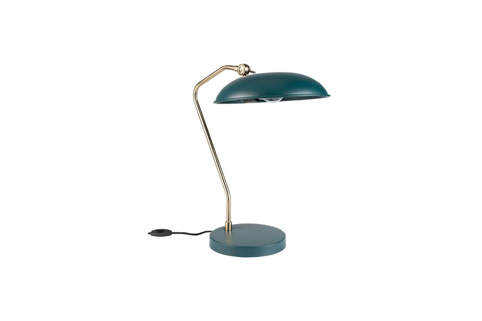 Mais l\'essentiel est ailleurs : Liam est une lampe de bureau solide — elle est tout en métal —