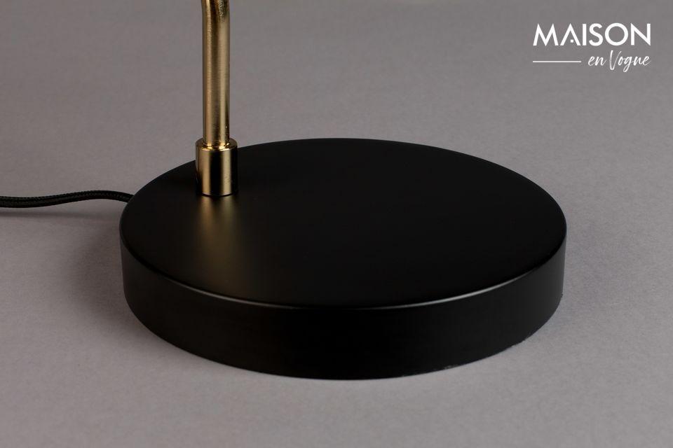 La lampe De Bureau Liam Noir vous propose aujourd\'hui d\'associer le rétro à la modernité