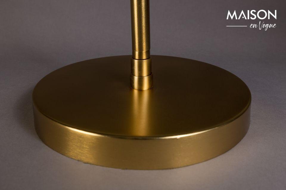 Du métal noir poudré sur une base à la finition dorée et l\'effet est garanti avec ce luminaire