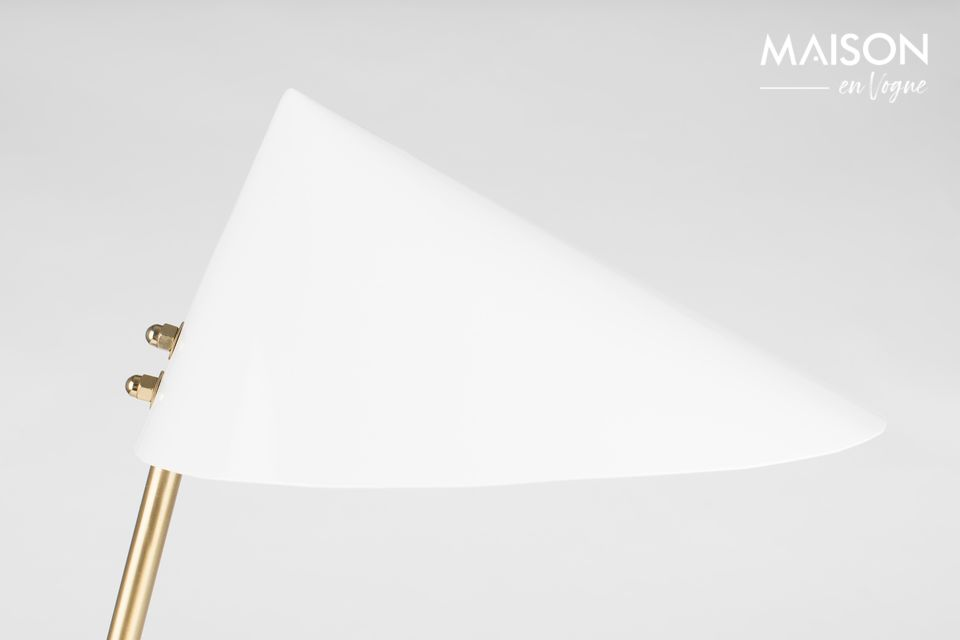 Amateur de design anguleux et géométrique ? Laissez-vous tenter par la lampe de bureau Lizzy de