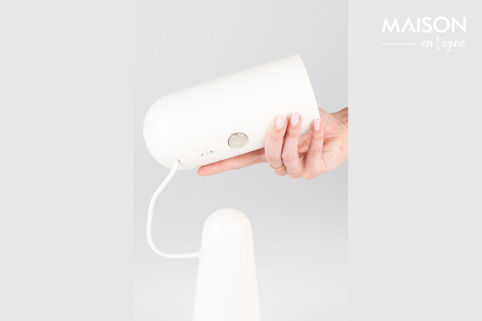 Une lampe contemporaine pratique pour travailler