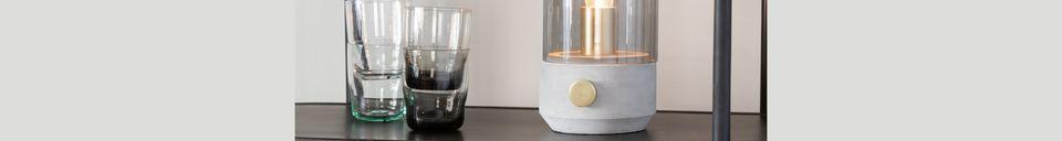 Mise en avant matière Lampe de table Kato