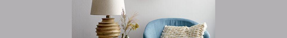 Mise en avant matière Lampe de table Magny en bois de manguier