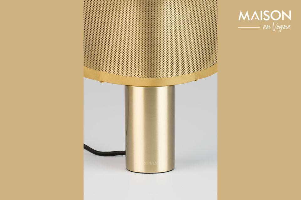 Avec Mai, une sculpturale petite la lampe à poser, c\'est le printemps tous les jours à la maison