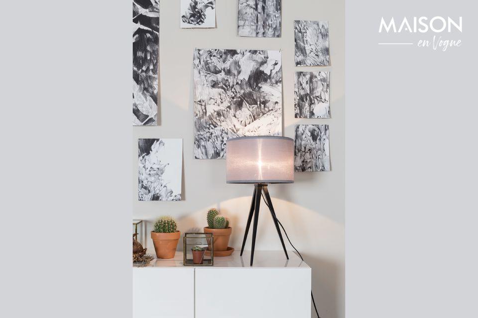 Une petite lampe de table au charme scandinave