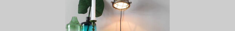 Mise en avant matière Lampe Murale Evan en laiton