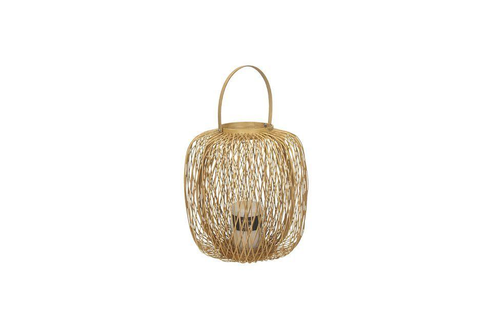 Une lanterne d'extérieure en matière végétale