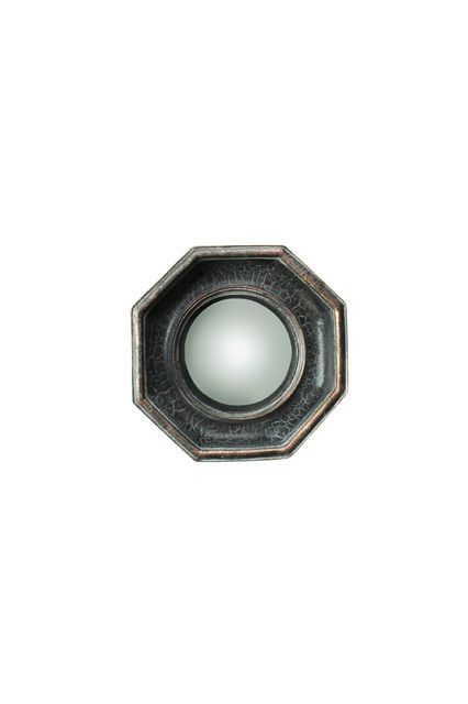 Sa forme octogonale et convexe accentue cet aspect vintage tout en affirmant son élégance et son