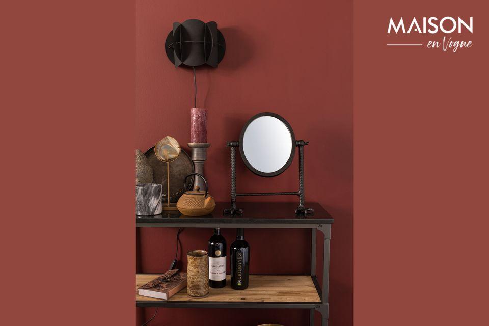 Le miroir Falcon noir repose sur deux puissantes griffes acérées que vous pourrez installer dans