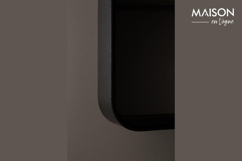 Ce produit est fait d\'un cadre de forme rectangulaire en fer enduit de poudre noir