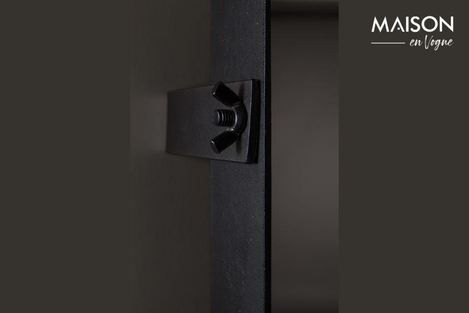 Le miroir Poke M de Dutchbone vous propose d\'opter pour la simplicité