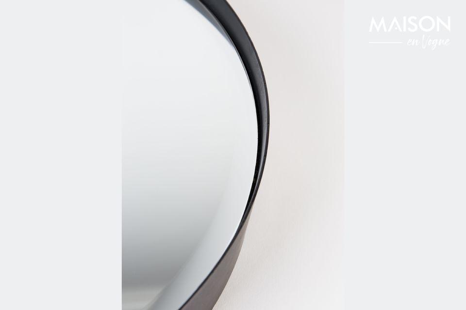 Affichant un large diamètre