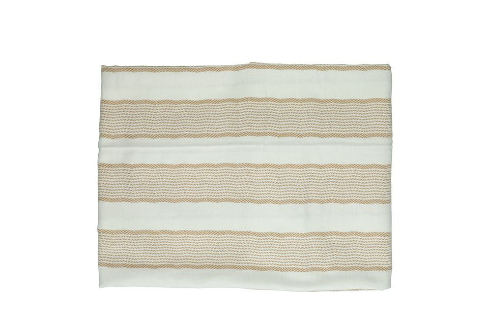 Cette nappe 100% coton a une longueur de 33 cm sur une largeur de 26 cm