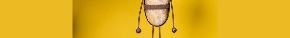 Mise en avant matière Personnage en bois et métal Odéon