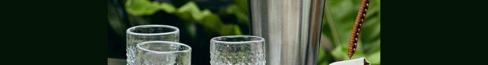 Mise en avant matière Pichet Doyet en acier inoxydable avec poignée en cuir