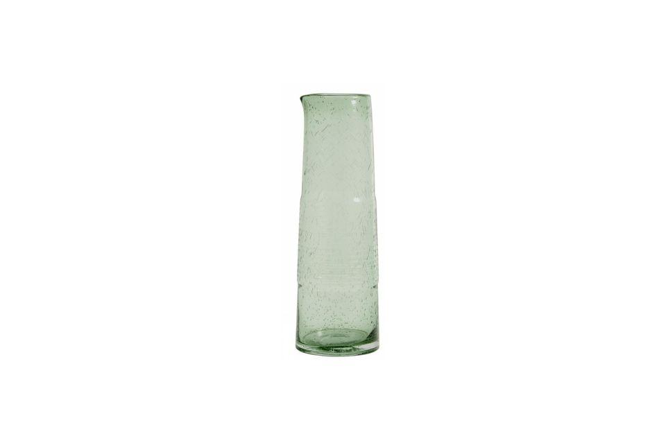 La sobriété des lignes combinée à l\'usage de verre recyclé en font un service parfait pour