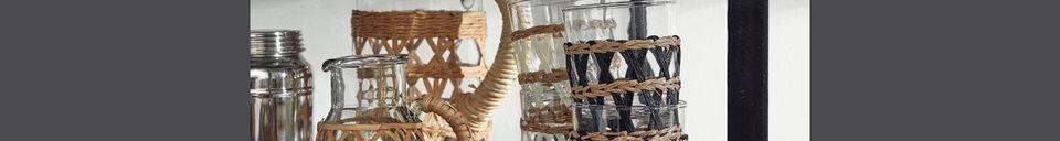 Mise en avant matière Pichet Weva en verre transparent avec tresse