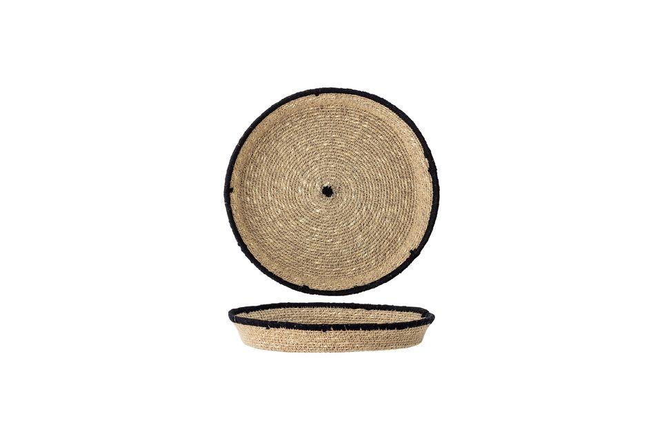 Son design circulaire est mis en valeur par un rebord et un centre noirs