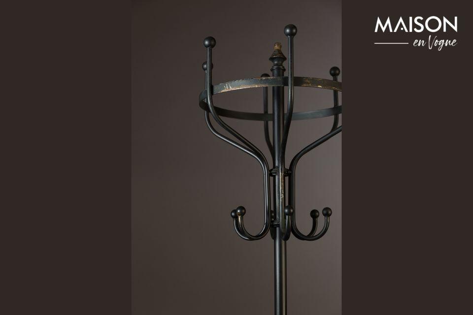 Et sa structure en métal noir vieilli en fait un bel objet