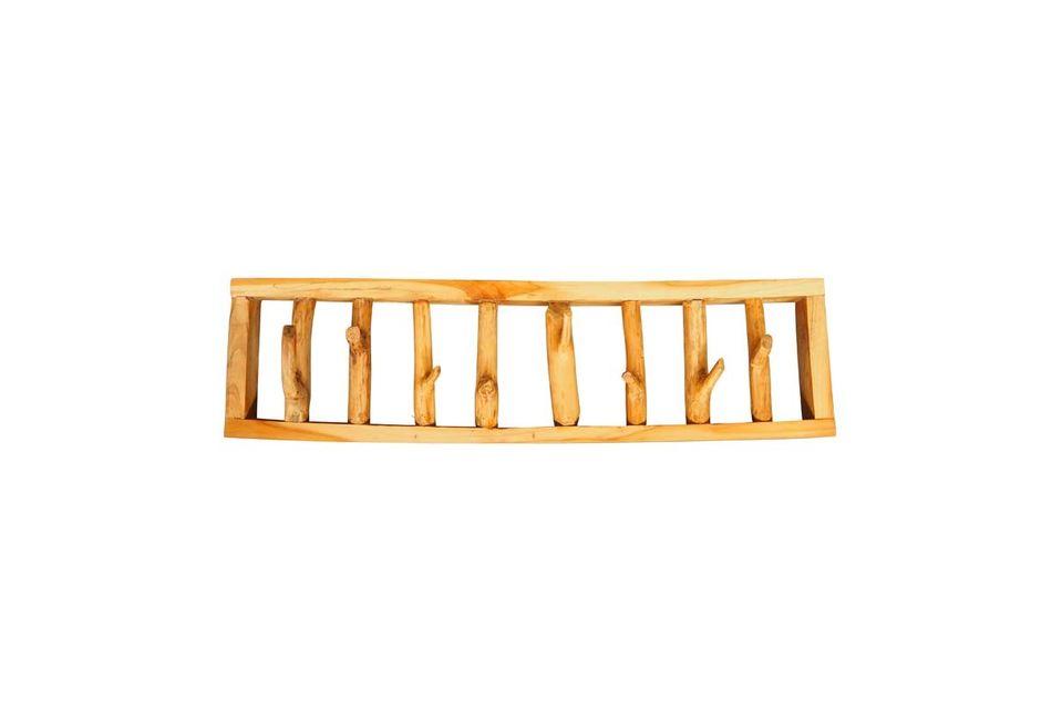 Avec sa structure en bois légèrement teinté, cet objet déco impose son originalité