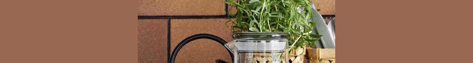 Mise en avant matière Pot en verre Peyrun avec couvercle coloré