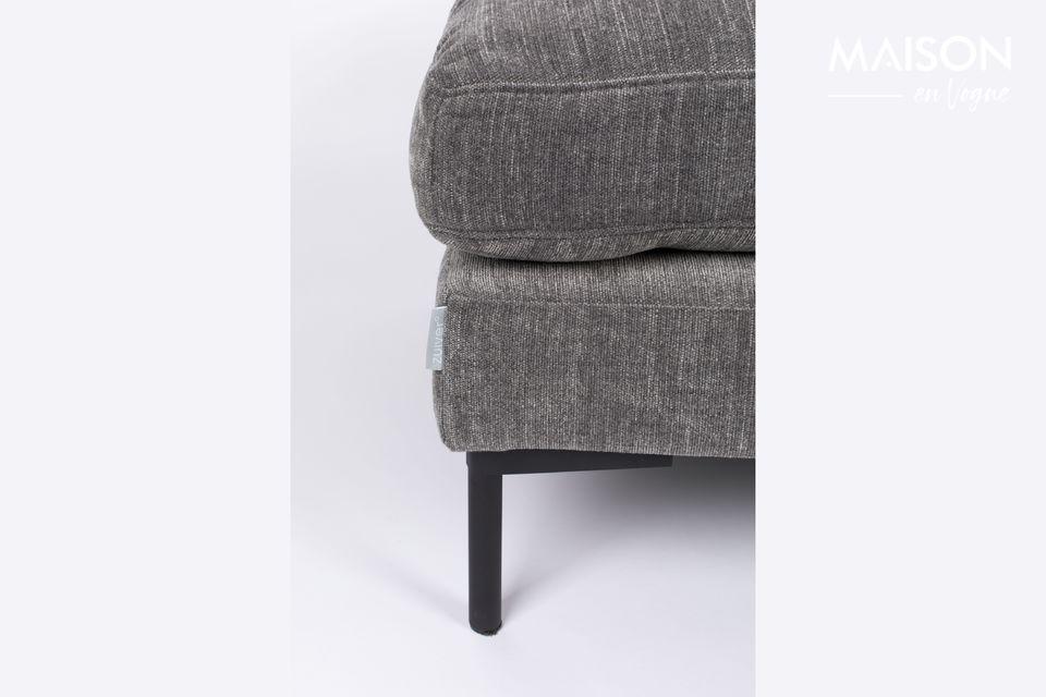 Son confort est idéal pour reposer des pieds fatigués ou encore comme siège d\'appoint