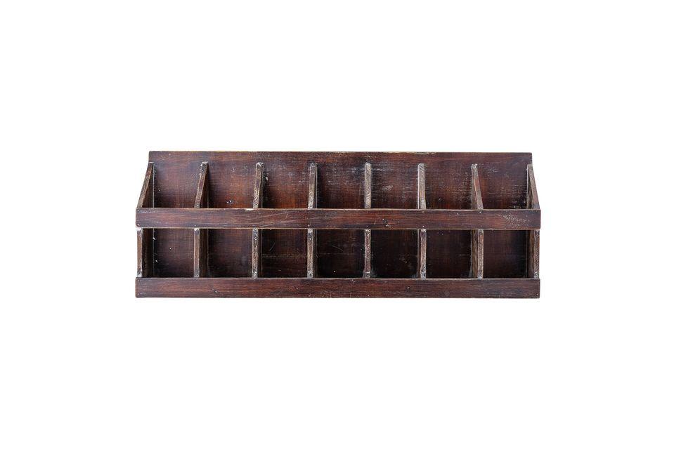 Cette étagère en sapin à l\'aspect patiné fera fort bel effet dans votre cuisine ou votre