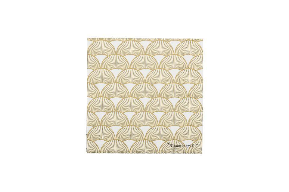 Une serviette en papier au joli motif doré
