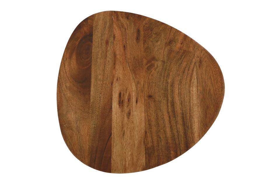 Un set de 3 tables en bois d'acacia pour apporter une touche décorative naturelle