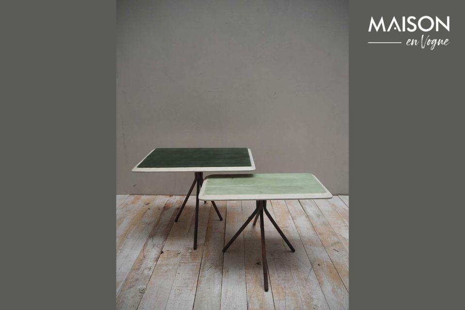 Set de 2 tables Rêverie vertes en bois laqué