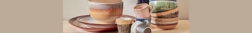 Mise en avant matière Set de 4 mugs à espresso en céramique 70's