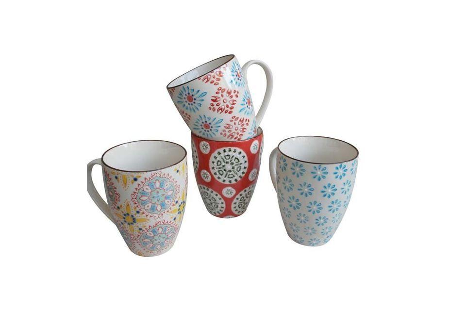 Le succès est assuré à la table du petit déjeuner avec ce set de 4 mugs Bohemian